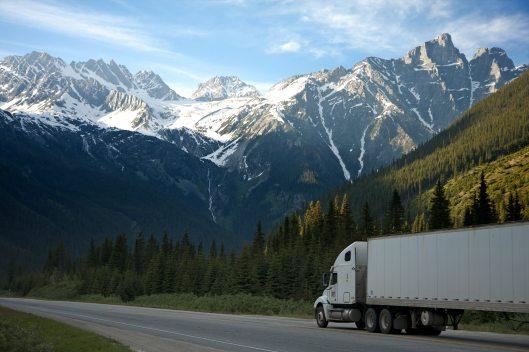 logistics-lorry-mountains-93398